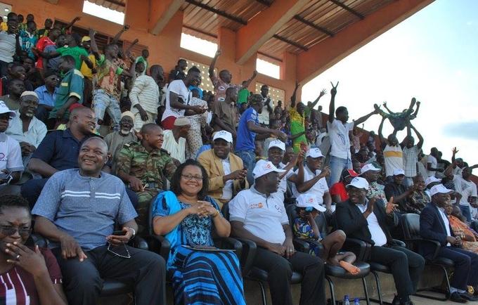 La population de Djougou a assisté à la finale du tournoi de football organisé dans le cadre de la Journée.